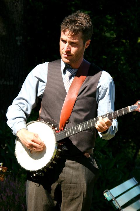 Zac Banjo Main